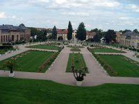 Französischer_Garten_vor_der_OrangerieSNV81907